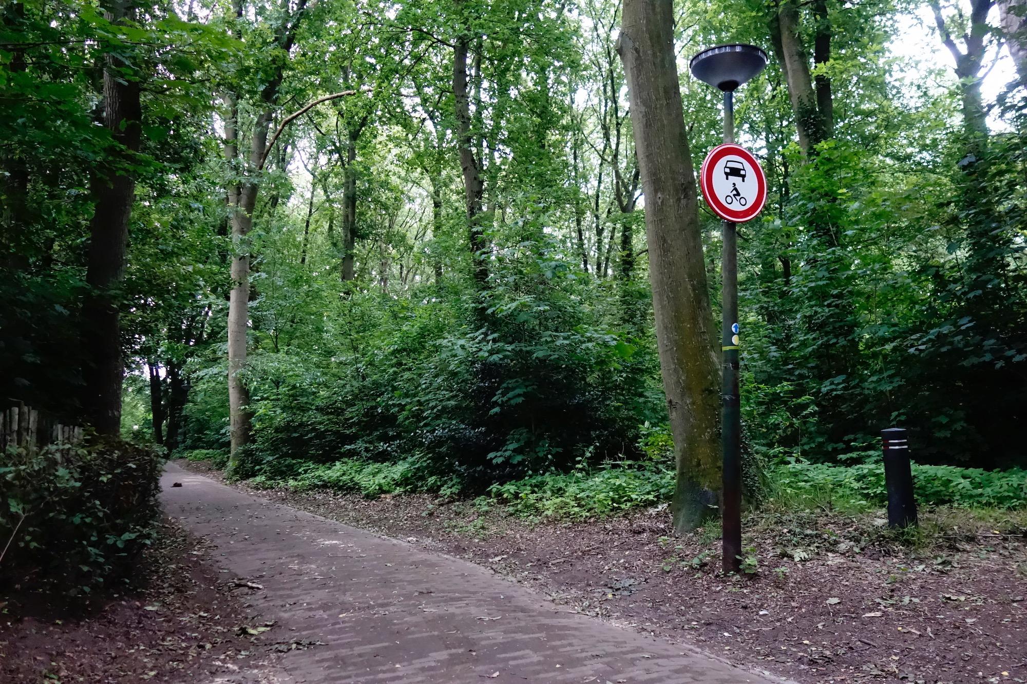 woensbergweg-bord - 1