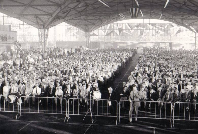 Opheffingsvergadering in de Expohal Hilversum